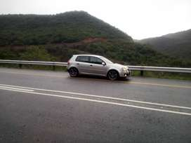 Hi good ppl,I'm selling my Golf 5 silver,1.6 with leather interior,
