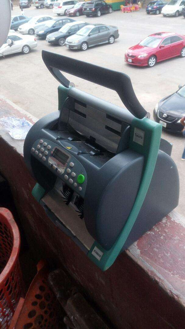 Counting machine for sale at give away price of 50,000 0