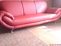 Перетяжка всех видов мягкой мебели. Диваны, кресла стуля, матрасы.