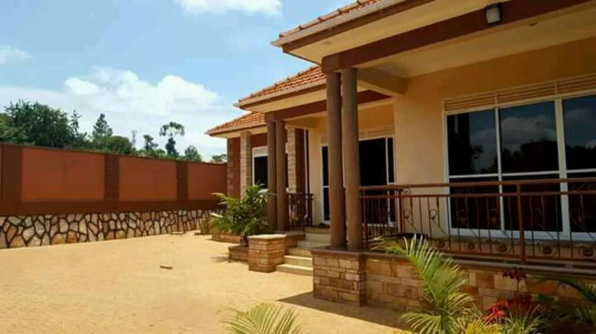 2bedroom house for rent in kisasi at 430k 0