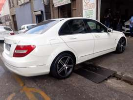 Mercedes-Benz CDi C200 R 120000 negotiable