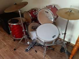 5 piece DB percussion acoustic drum set