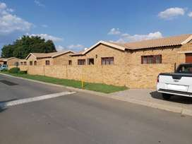 REDUCED!! Krugersdorp - 3 Bedroom Townhouse to let