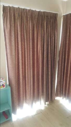 Custom made curtains (5 curtains included in price with rails)