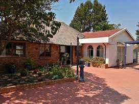 Well maintained family home with stunning lapa