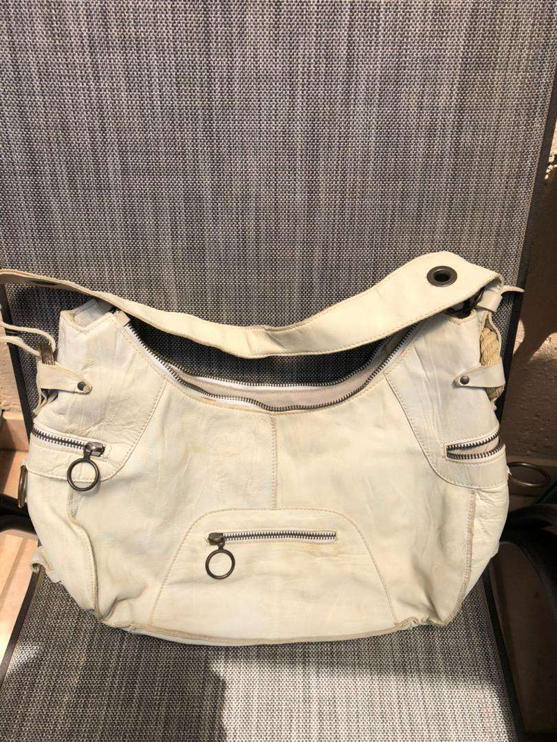 Authentic Leather Kurt Geiger hand bag for sale 0