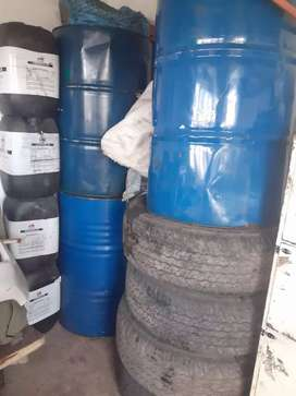 Am selling second hand tyres 1set and still drums 3 of them