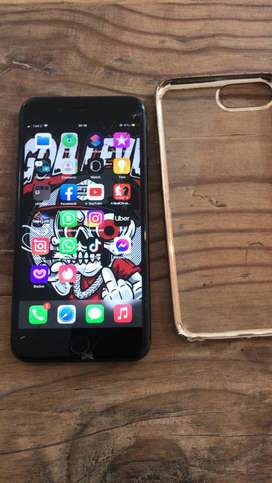 Selling my iphone 8 plus 64gb works perfectly ,