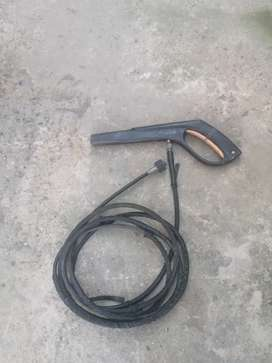 High pressure cleaner pipe with gun