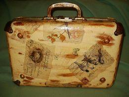 Небольшой ретро-чемодан/шкатулка для хранения в стиле декупаж