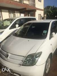 Toyota ist very clean in mint Condition 0