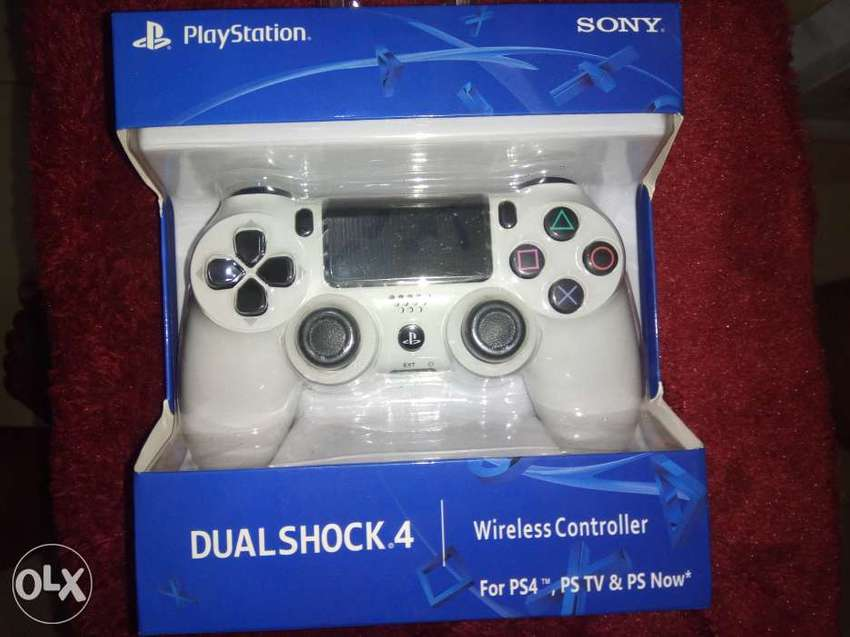 Brand new ps4 pad 0