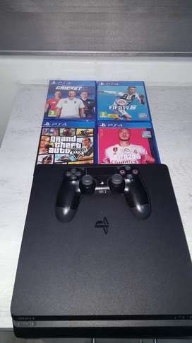 Ps4 console and 4 games