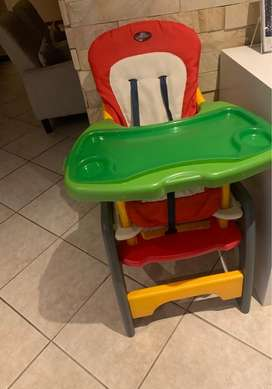 Feeding chair & mobile up for grabs