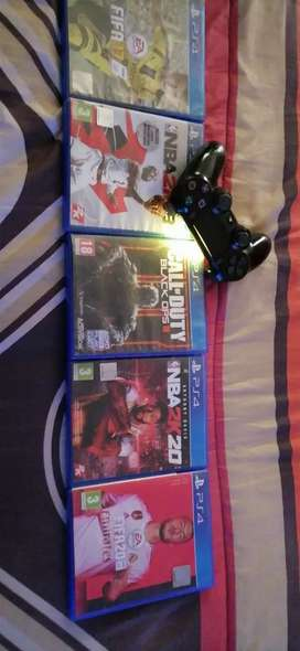 PS4 Games plus controller