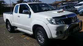 2014 TOYOTA HILUX EXTENDED CAB