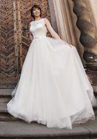 Свадебное платье, а-силуэт, пышное, р-р 44