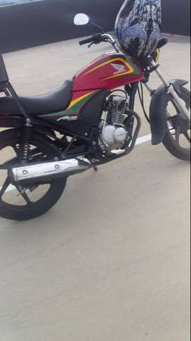 Honda Ace 125 with box and bracket Cheap price Good condition.