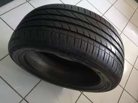One tyre 215/45R16 price R590 forsale