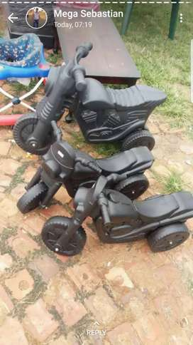 Kiddies bikes r250