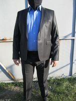 новый мужской костюм AZZARO(Франция) 52-54 оригинал для выпускного