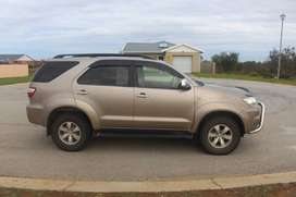 TOYOTA FORTUNER 3.0D-4d 4X4 AUTOMATIC