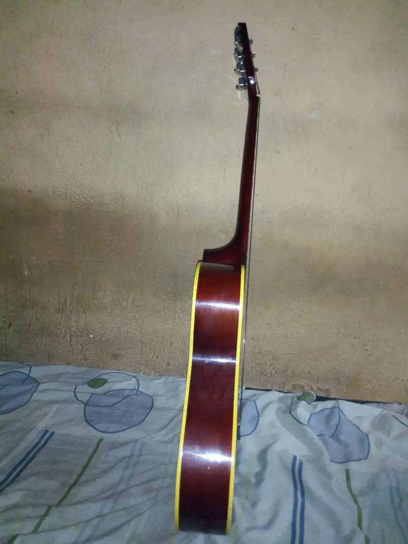 Acoustic guitar for sale 0