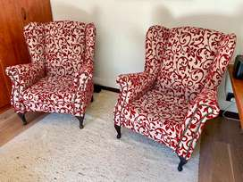 Set of 2 wingback chairs.