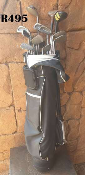Black Golfbag with Clubs