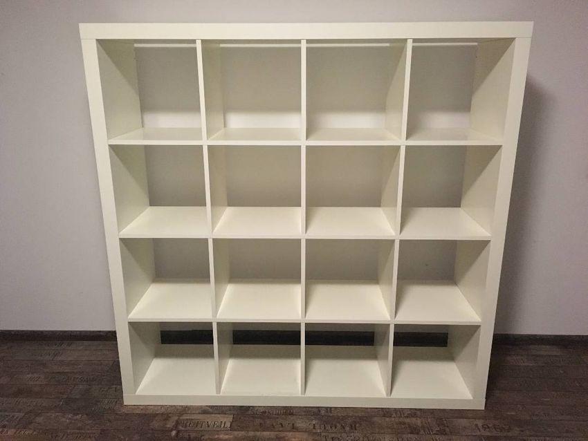 Knihovna IKEA (policový díl Kallax) 0
