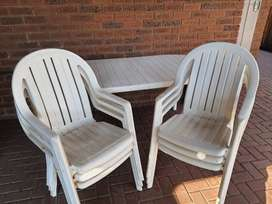 Plastic white outdoor set with 6 chairs