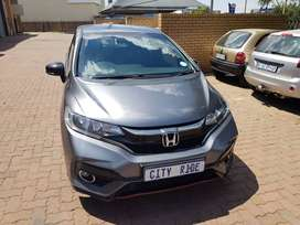 Honda Jazz Year: 2018 Engine: 1.5ltr  Mileage: 41000km