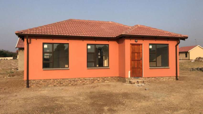 New houses in Soweto, lufhereng 0