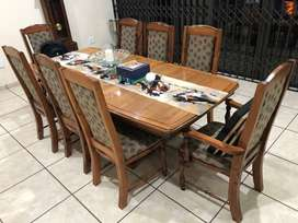 Dining Table & chairs for sale