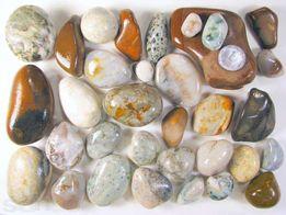 Яшма, агат, халцедон -33 штуки. Натуральные камни для дна аквариума
