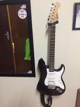 Fender Squier  with amp and bag