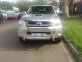 2006 TOYOTA HILUX DOUBLE CAB D4D 4X4 WITH AN ENGINE CAPACITY OF 3,0
