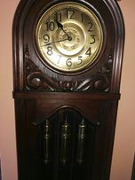 Stary zegar kwadransowy kurantem