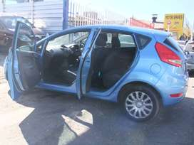FORD FIESTA 1.6 LITRE 2010