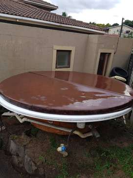 Jacuzzi hot bath 8 Seater