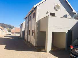 Two Bedroom Apartment Available for Sharing in Olympus  (Pretoria East