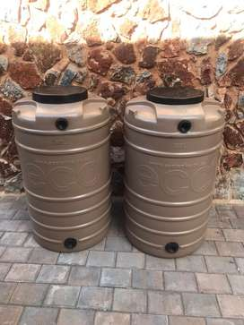 Water tanks (260l)