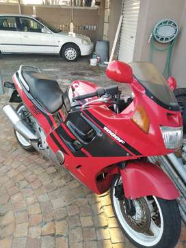 1991 CBR1000F. Papers in order.