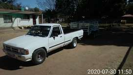 Toyota hilux hips 1998 model with 2y petrol  engine