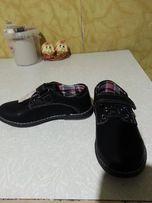 Продам новые туфли на мальчика по стельке 19 см.