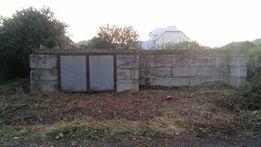 Приватизована земельна ділянка з цокольним фундаментом