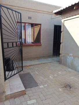 1 room available 3 by 3 metres