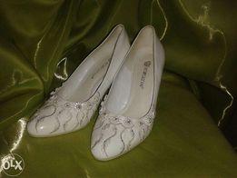 Продам свадебные туфли,в хорошем состоянии