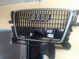 AUDI Q5 Main Grill is available for sale very clean in good condition