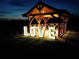 Napis dekoracyjny LOVE z podświetleniem LED
